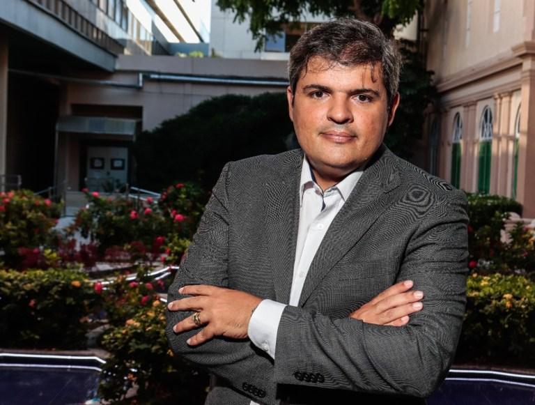 Dr. Sérvio Fidney – chefe do serviço de Cirurgia Geral e Bariátrica do Hospital Agamenon Magalhães